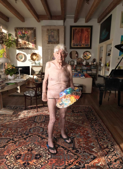 Wat Veldhoen in his Living room at age 84